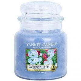 Yankee Candle Garden Sweet Pea illatos gyertya  411 g Classic közepes méret